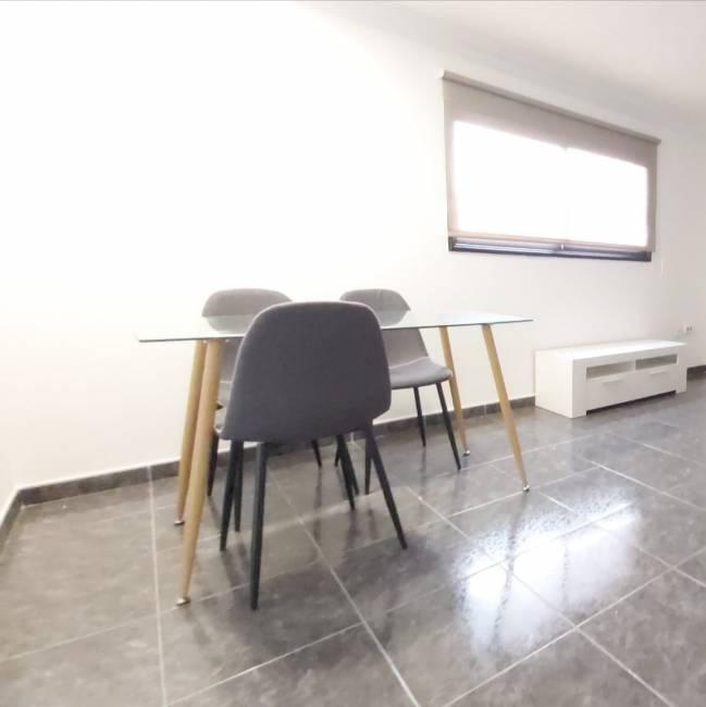 León y Castillo area apartment