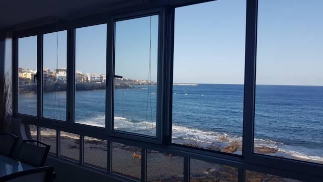 Apartment with terrace on Salinetas Beach