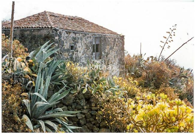 Old Canarian finca to restore on the island of La Palma