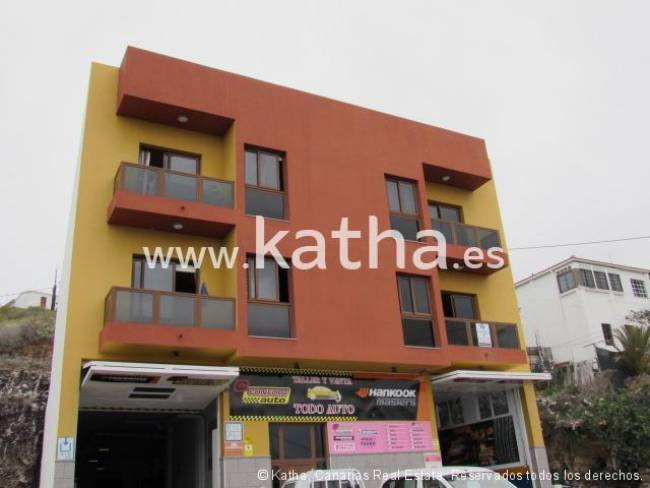 Spacious apartment located 15 minutes from the center