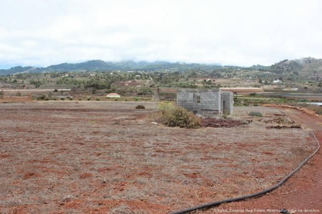 Large property for tourist development