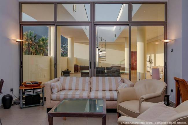 La Palma Exclusive penthouse in loft style