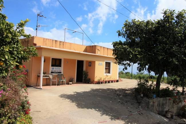 Casa de campo con jardín y vista de 360º