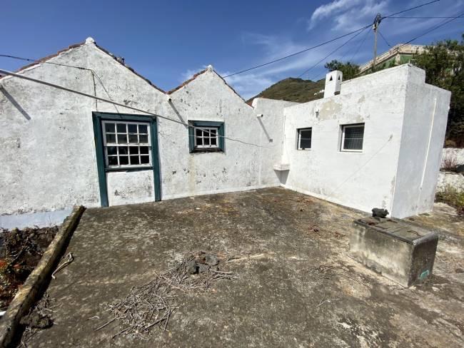 Old Canarian property on La Palma to renovate