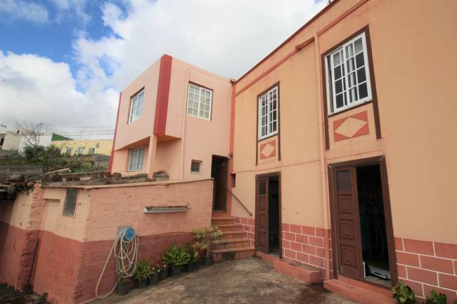 Property in Los Sauces in a good location