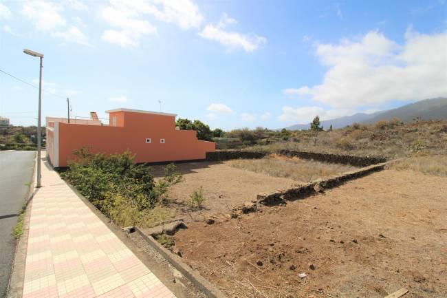 Solar urbano para la edificación de un bloque de apartamentos