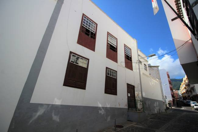 House in the old town of Santa Cruz with 2 units