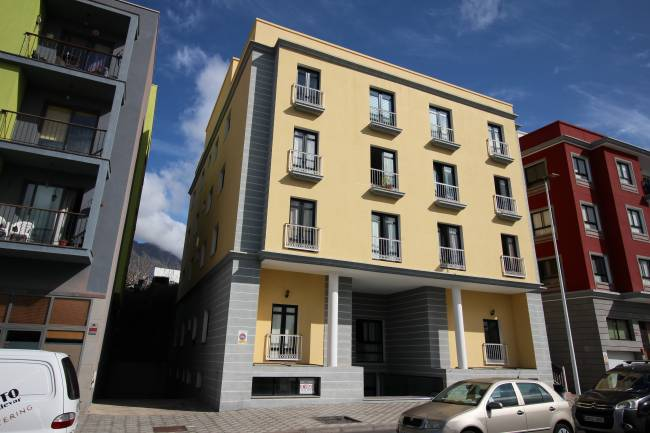 Large 3 bedroom apartment in the center of Los Llanos