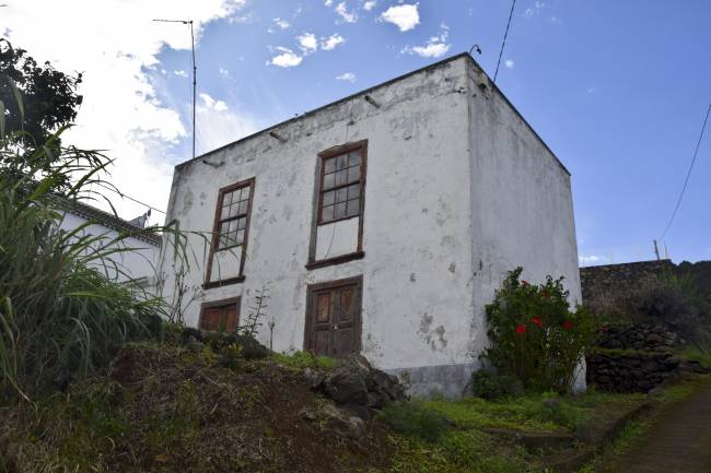 Typical house to restore in Los Sauces