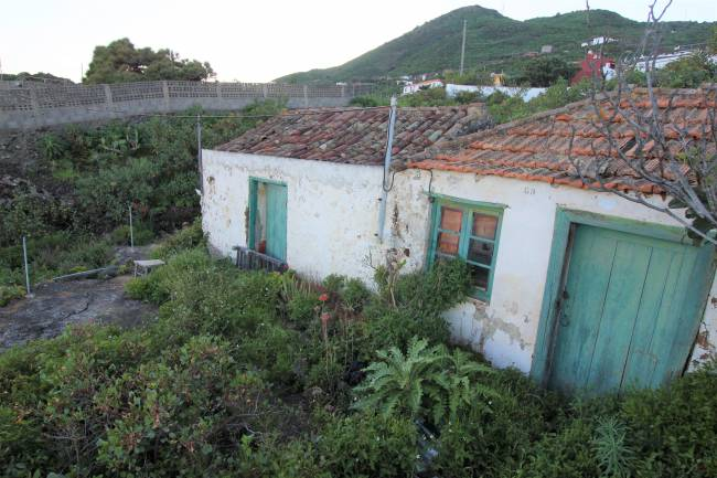 Canarian house to renovate