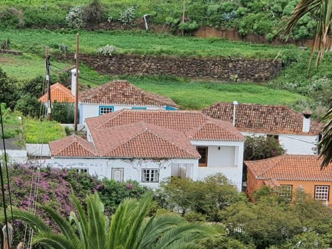 Large property in beautiful surroundings