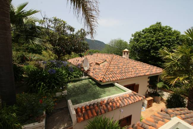 Beautiful finca with several buildings