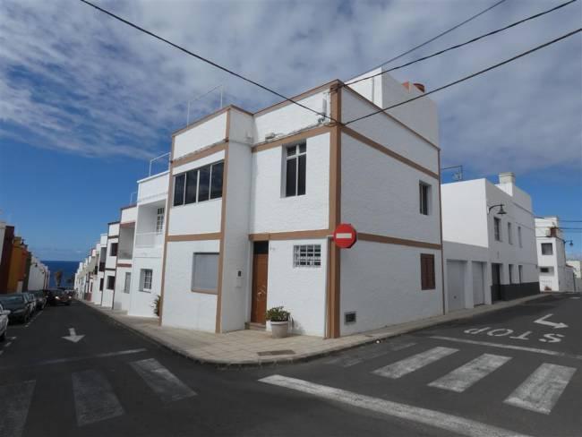 Town house in San Juan de la Rambla Tenerife