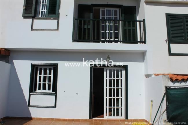 Teneriffa Reihenhaus mit 4 Schlafzimmer und Garage im Angebot
