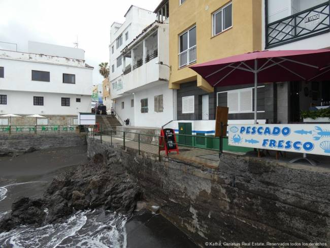 Tenerife Restaurant directly on the sea