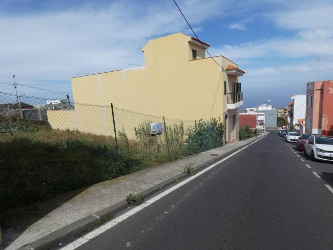 Building land in the north of Tenerife